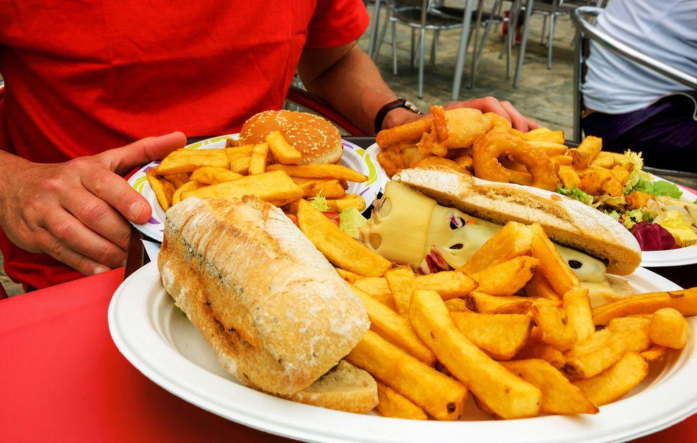 Большая тарелка с едой