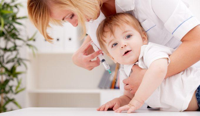 прививка КПК ребенку до года