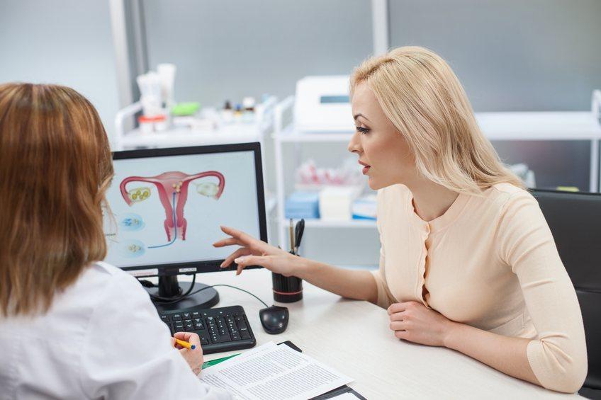 Болит живот на 6 неделе беременности причины