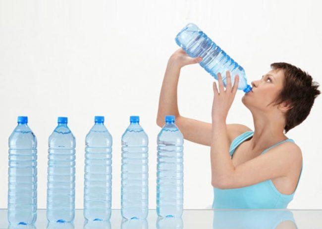 необходимо много жидкости для выведения токсинов