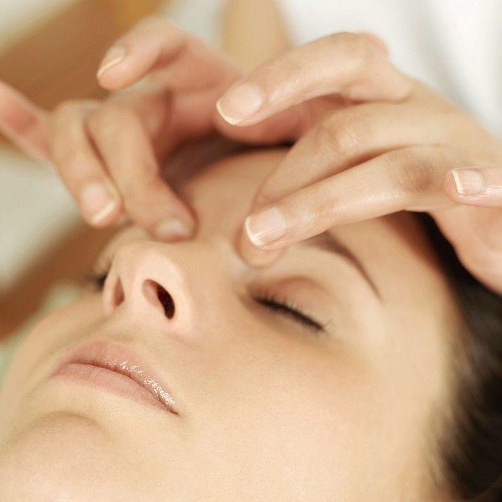 Массаж для снятия боли в глазах
