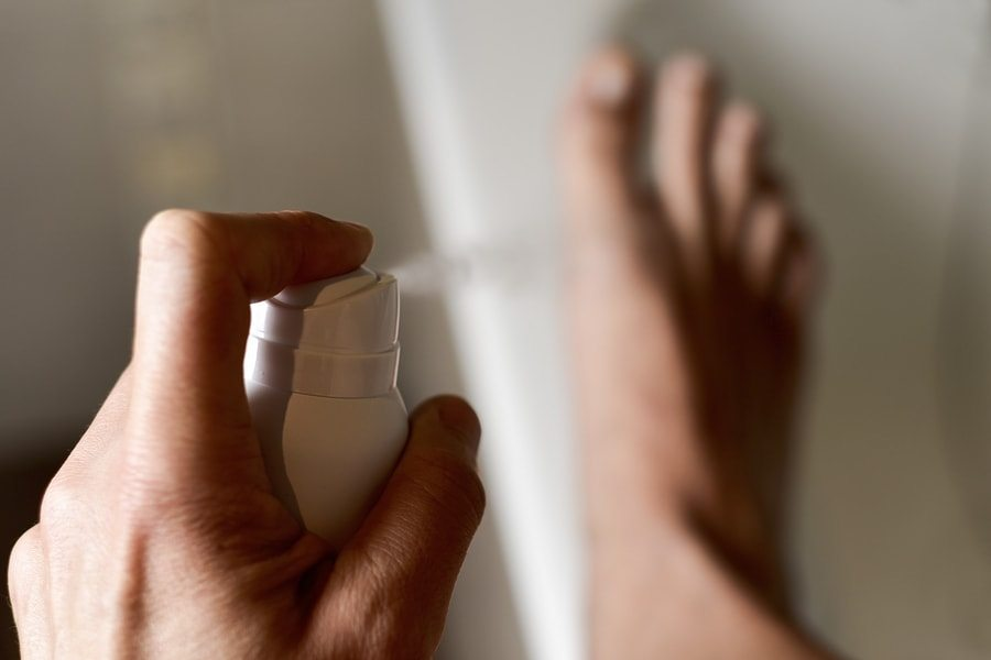 как избавиться от запаха ног у мужчин